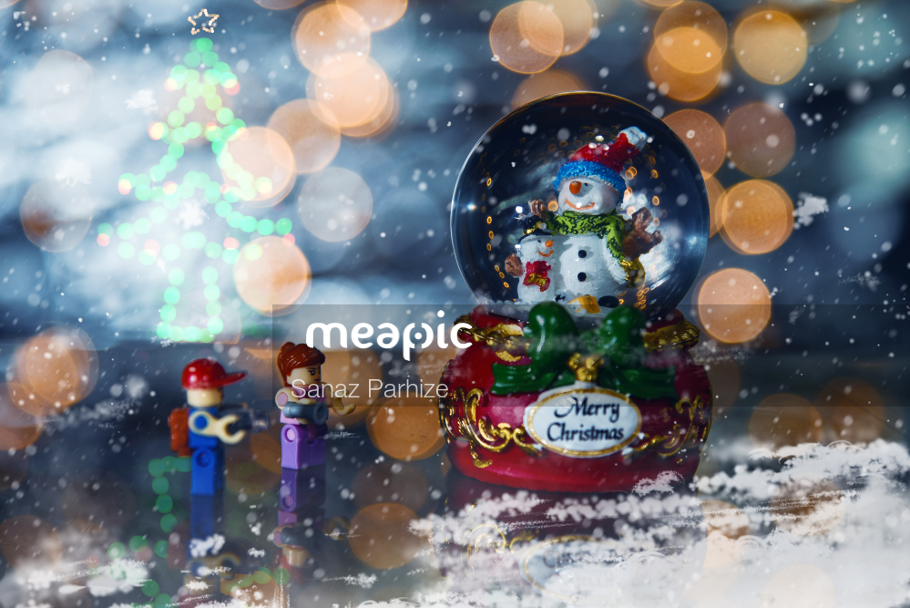 Small, Water, Holding Stock Photo · Meapic