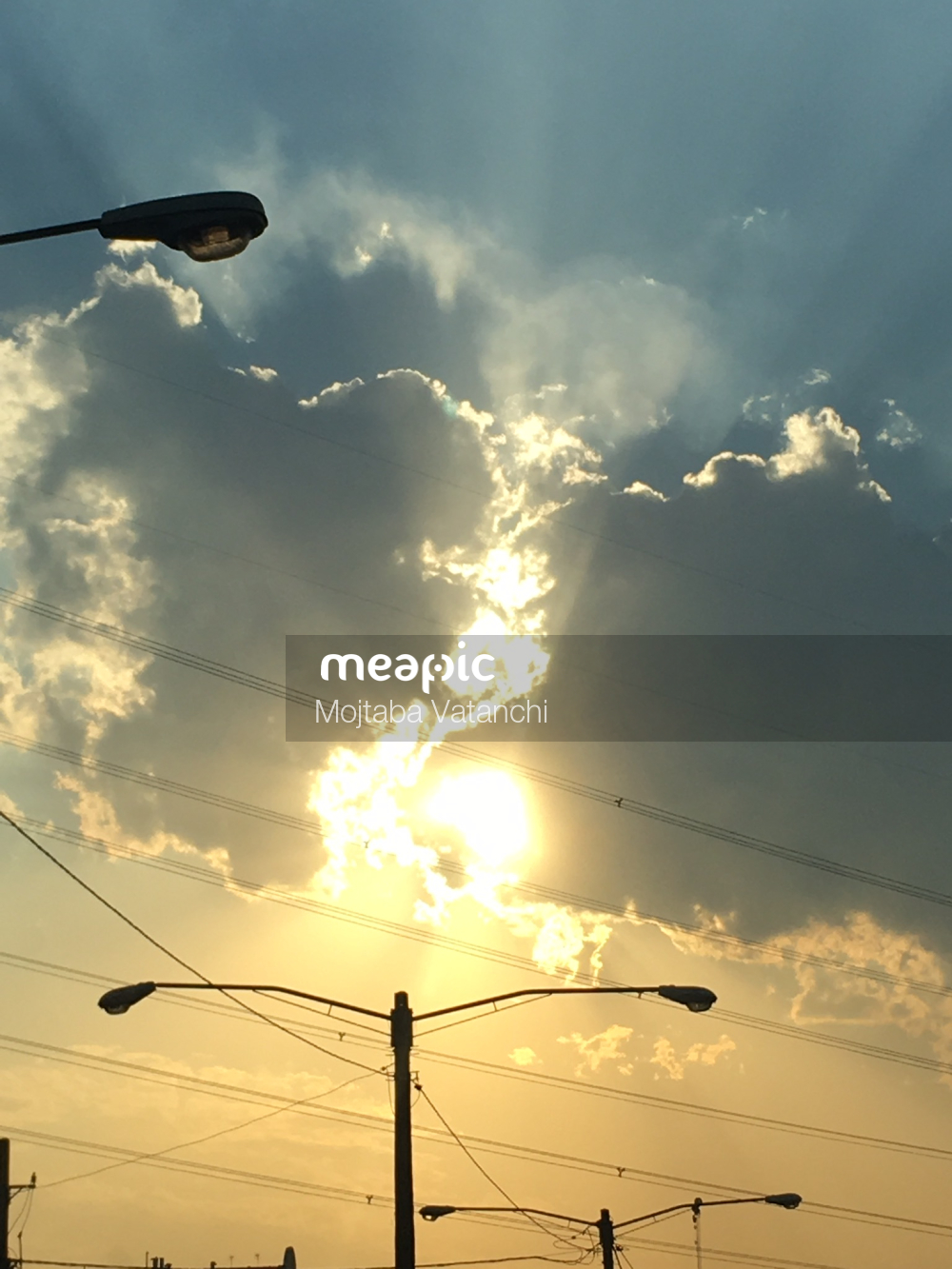 Traffic Light On A Cloudy Day Stock Photo · Meapic