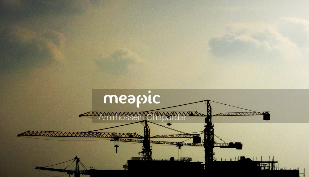 Crane Next To A Traffic Light Stock Photo · Meapic