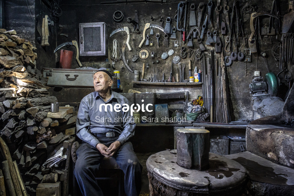 Old Man Stock Photo · Meapic