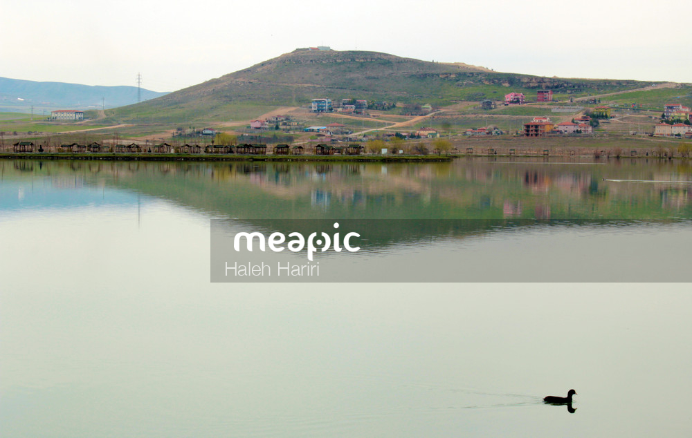 Calm & Reflection Stock Photo · Meapic