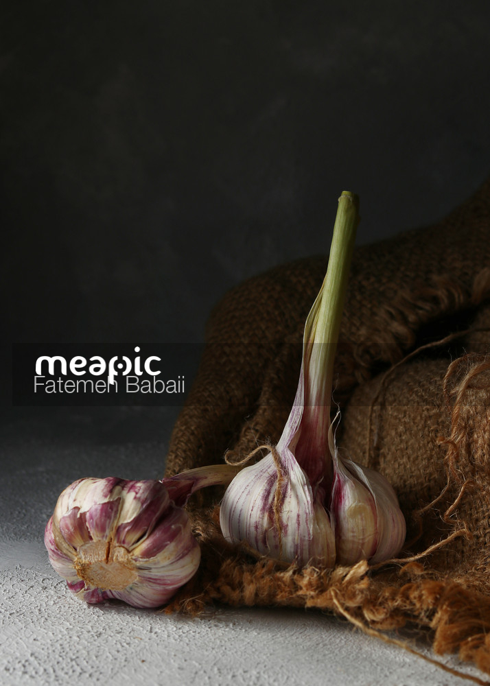 Garlic Stock Photo · Meapic